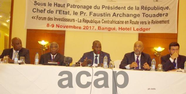 Le ministre Côme Assane, lors de la conférence de presse clôturant le forum des investisseurs