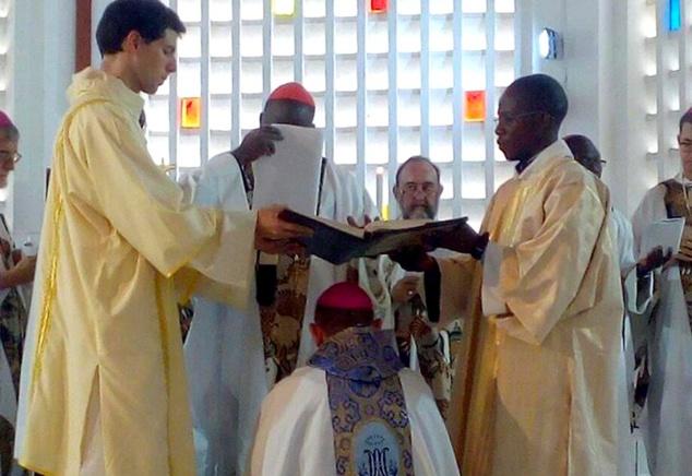 Séquence de l'ordination de l'Évêque auxiliaire de Bangassou