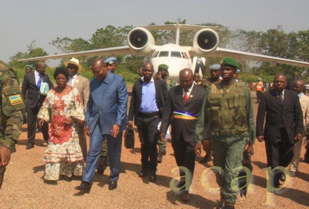 Le Président Faustin Archange Touadéra, à son arrivée à l'aéroport de Berbérati (photo R. Molenguela/ACAP)