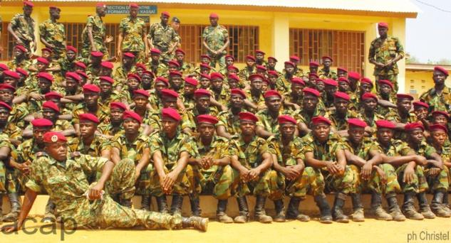 Le Président Faustin-Archange Touadéra préside la cérémonie de fin de formation de 101 jeunes soldats issus des groupes armés