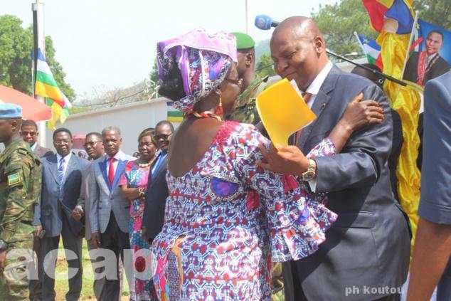 Journée internationale de la femme : l'Organisation des femmes centrafricaines remet un mémorandum au Président Faustin-Archange Touadéra