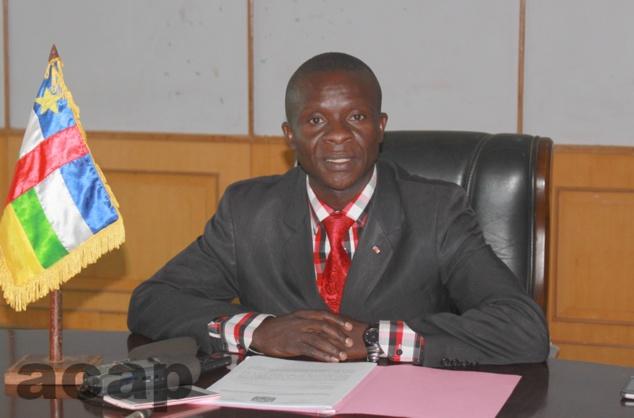 Le Ministre de la Promotion de la Jeunesse et des Sports, Silvère Simplice Ngarso