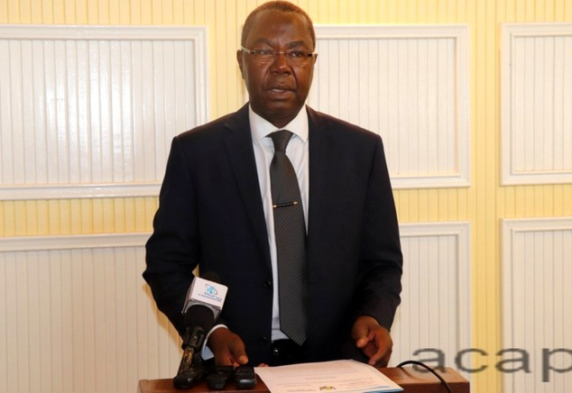 Le conseiller Mokpème Yaloké devant la presse