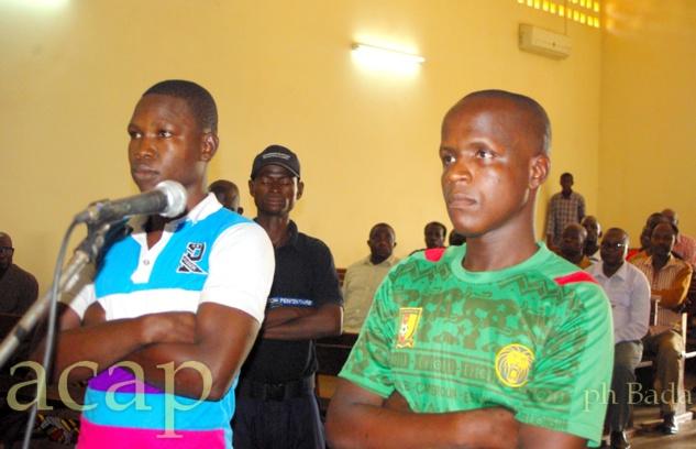 Fulbert Bondo et Dieudonné Ngaïbona pendant l'énoncé du verdict