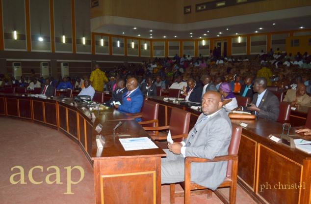 Les députés à l'hémicycle, lors des opérations de vote