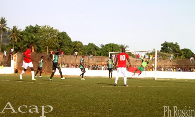 Football : les Anges de Fatima et Castel Foot se qualifient pour la finale de la coupe de la ligue