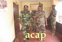 le général Joseph Diop à gauche,avec le général Zéphirin Mamadou
