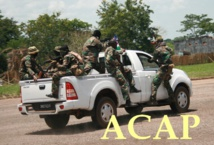 des FACA en pleine manoeuvre motorisée à Béréngo