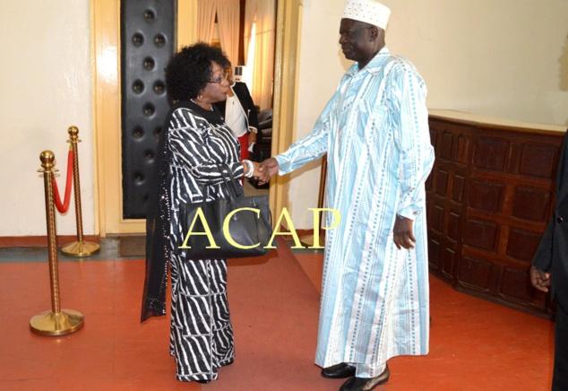 Le Président de l'Assemblée nationale, Laurent Ngon Baba, et son son hôte, Mme Marie-Thérèse Keita-Bocoum