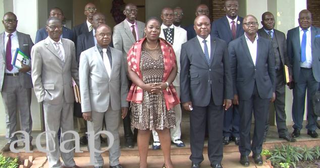 Photo de famille des membres du comité de mise en oeuvre