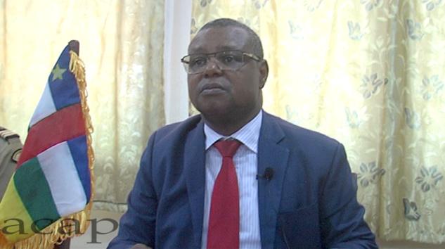Le ministre Pierre Somsé, lors de son point de presse