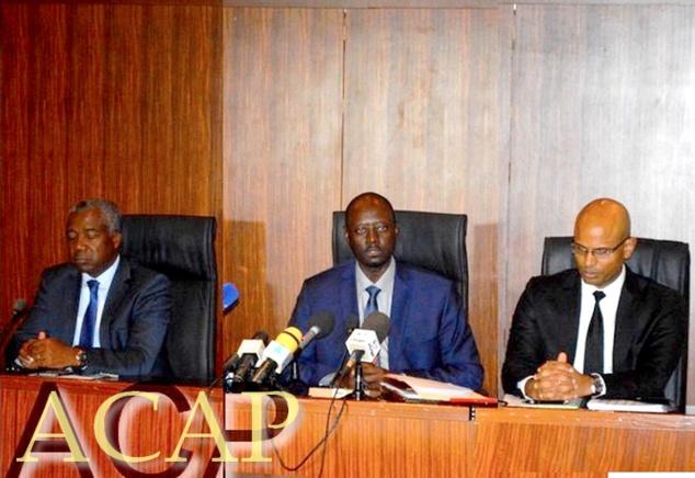 Le gouverneur de la BEAC, Abbas Mahamat Tolli (au centre)