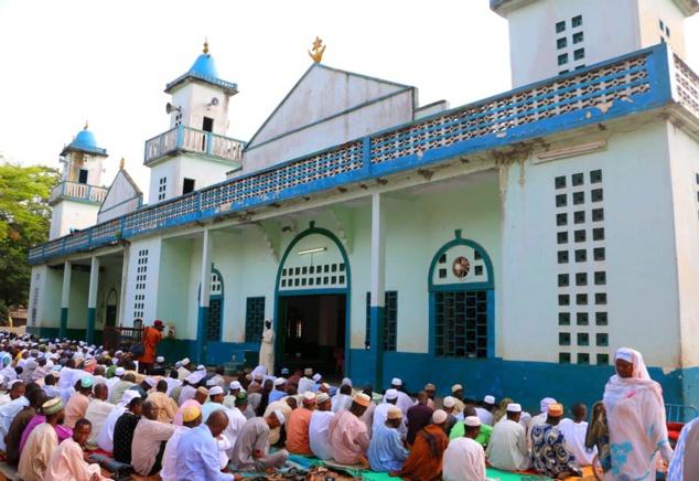Scène de grande prière à la mosquée centrale de Bangui