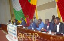 vue du bureau de l'Assemblée nationale, lors de la conférence de presse de Laurent Ngon-Baba