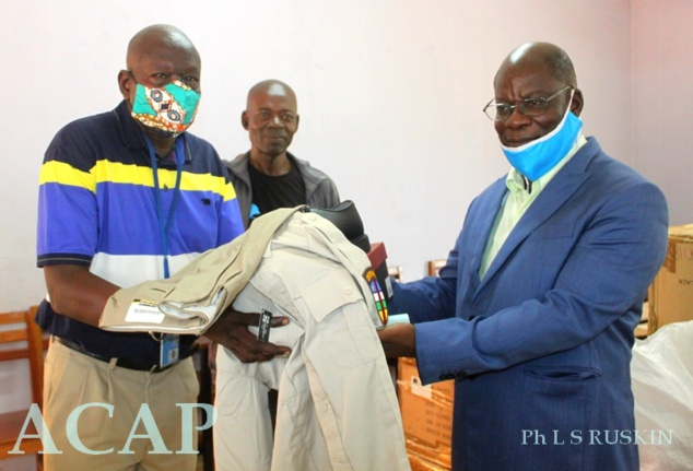 Le DG de l'ENAM Richard Filakota  à droite