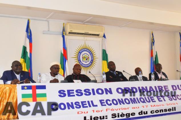 Le Conseil Economique et Social poursuit ses travaux en plénière avec les présidents des institutions