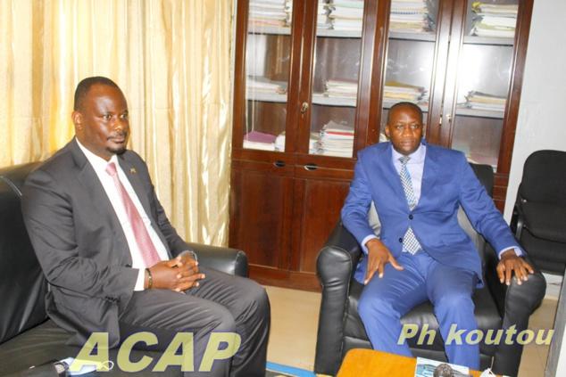 Le ministre Serge-Ghislain Djorie reçoit l'ambassadeur d'Afrique du Sud en RCA