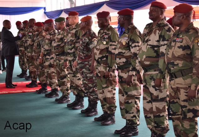 13 Officiers généraux des forces armées centrafricaines arborent leurs étoiles