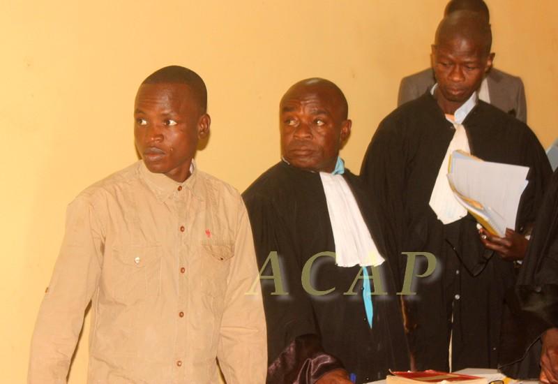 """Rodrigue Ngaïbona alias """"Général Andjilo"""" et ses avocats"""