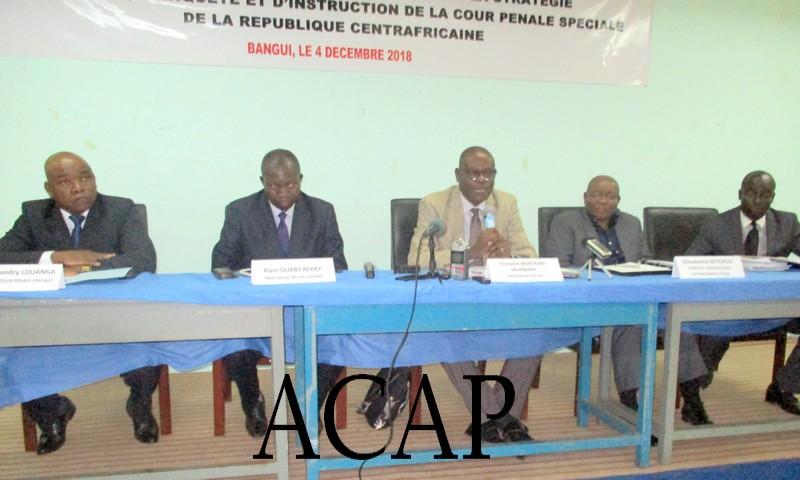 Les magistrats de la Cour pénale spéciale pendant leur conférence de presse