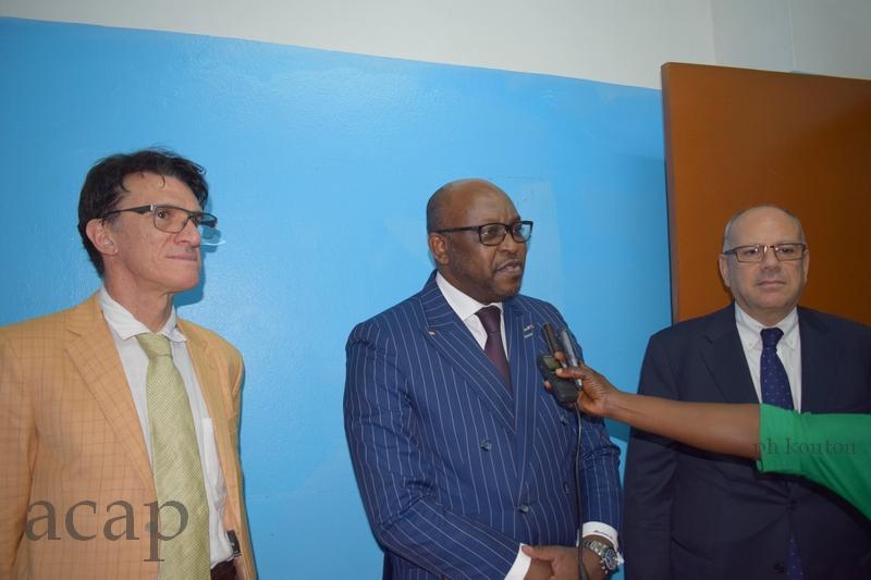 Le ministre Ange Maxime Kazagui (centre) avec Pascal Brouillet et Robert Boujaoude