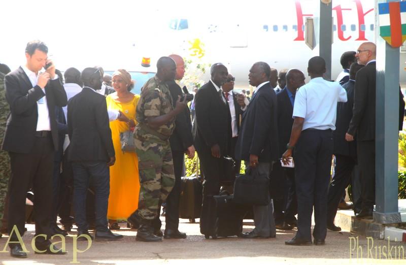 Entrée du salon d'honneur de l'aéroport de Bangui M'poko à l'arrivée des participants au Dialogue de Khartoum