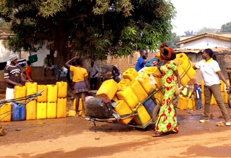 Scène de problèmes d'eau à Bangui