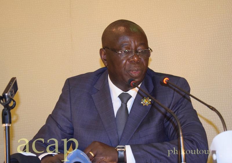 Le premier Vice-président de l'Assemblée nationale, Jean-Symphorien Mapenzi