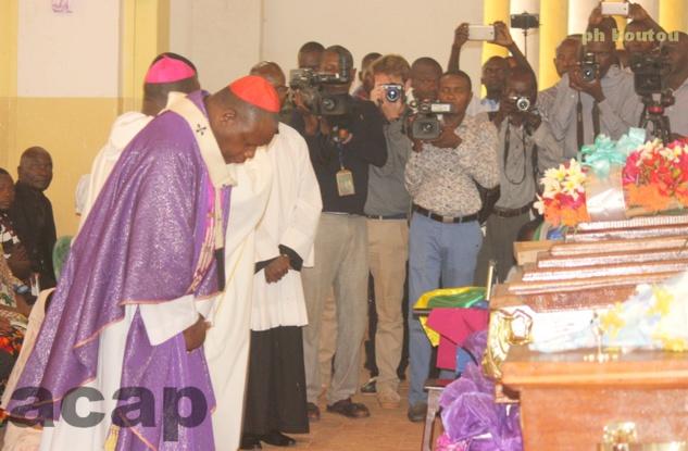 Le Cardinal Dieudonné Nzapalaïnga, lors de la messe de requiem en mémoire des victimes de la tuerie de Notre Dame de Fatima, le 7 mai 2018