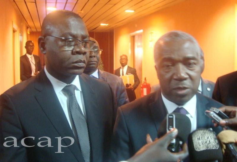 Le ministre Henri-Marie Dondra et le Vice-gouverneur de la BEAC, Dieudonné Evou Mékou