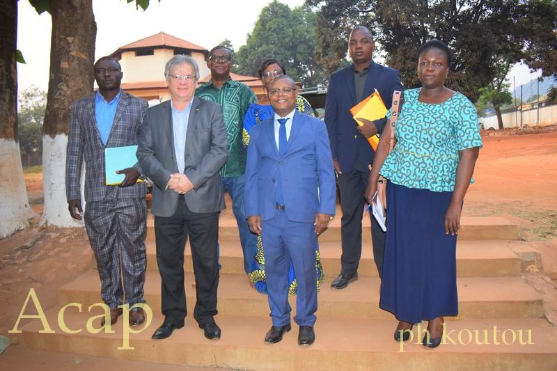 Signature de contrat de réhabilitation des formations sanitaires à hauteur de dix millions de F.CFA