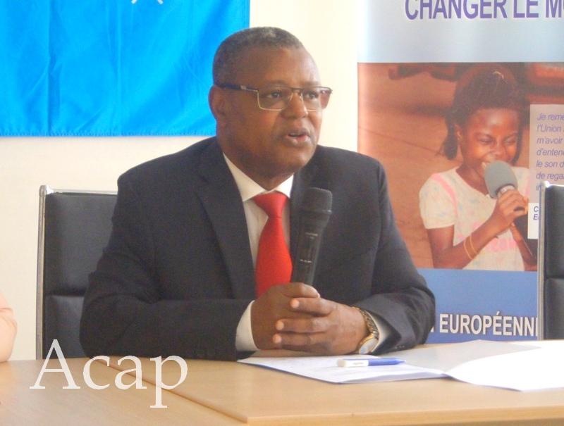 Le ministre Pierre Somsé