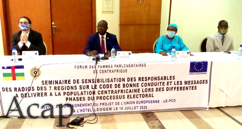 Les responsables des Radios publiques et communautaires de Centrafrique outillés sur le code de bonne conduite pendant les élections.