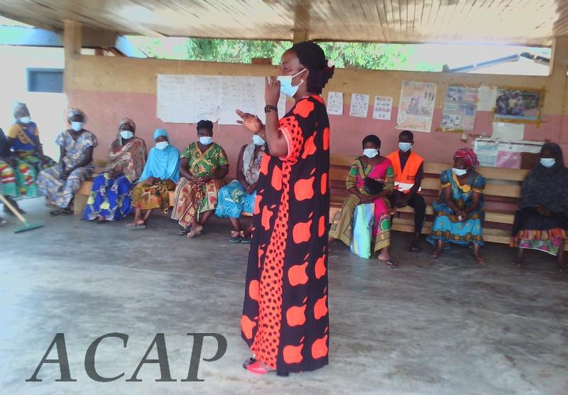 Une journée de nettoyage dans le centre de santé de Ngaragba