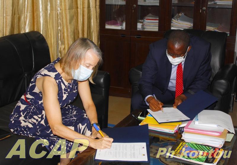 La radio la Voix d'Amérique désormais installée à Bangui