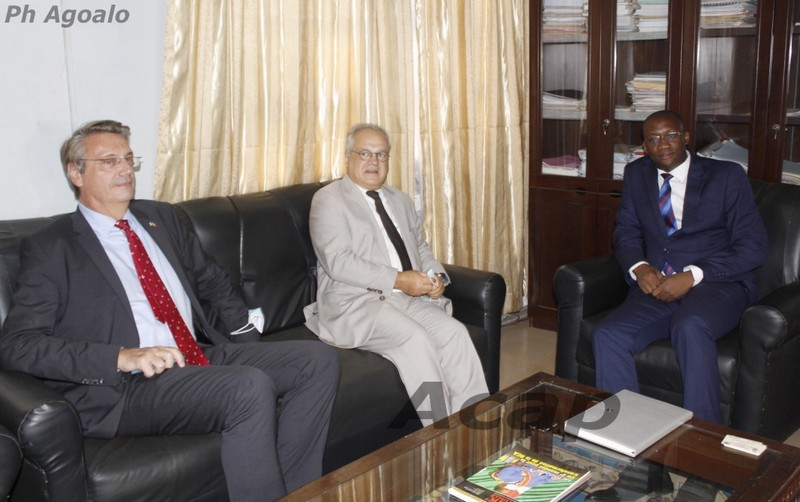 Le Ministre de la Communication reçoit Sylvain Itté, envoyé spécial pour la Diplomatie publique française en Afrique