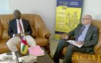 Le ministre Félix Moloua s'entretient avec le représentant de la Banque mondiale Robert Boujaoude