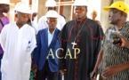 Le Cardinal Dieudonné Nzapalaïnga suivant les explications des experts