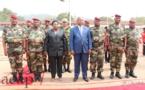 Le Président Touadéra remet leurs galons à cinq officiers de l'armée centrafricaine promus au grade de général