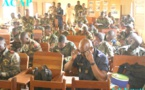 Des militaires et gendarmes passent un test pour le stage de technicien d'emploi de réseau mobile