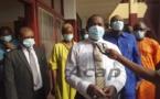Le Premier ministre Firmin Ngrébada visite les malades du COVID-19