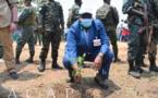 Le Président Touadéra procède au planting lors de la célébration de la Journée nationale d'arbre