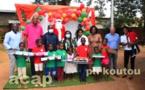La ministre de la Famille remet des jouets aux enfants orphelins
