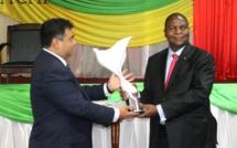 Le Président Faustin-Archange Touadéra dédie son prix spécial de la paix au peuple centrafricain