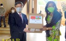 La Chine remet des kits sanitaires au gouvernement centrafricain
